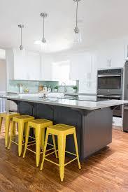 1 turquoise yellow gray island