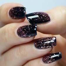 30glittered black gel nails