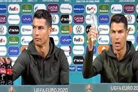 Dopo il gesto di Cristiano Ronaldo la Coca Cola ha perso ben 4 miliardi di  dollari in Borsa - greenMe