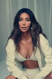 Wie Kim Kardashian West mit SKIMS die Shapewear-Branche revolutionierte