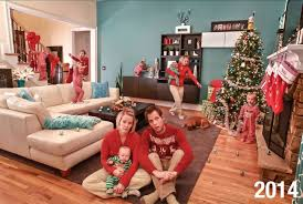 Dad Ditches Traditional Christmas Cards To Show The Chaos