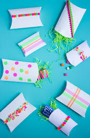 Decorating Boxes With Paper 100 Creative and Cheap Ways to Decorate a Gift Box Design 87