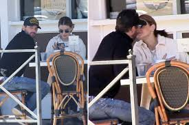 World news – Lucy Hale photographed Skeet Ulrich kissing | CAMEROON  MAGAZINE : Cameroon news - Actualité Cameroun