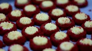 Yuk Intip Cara Pembuatan Kue Kering Putri Red Velvet Nya Ina Cookies