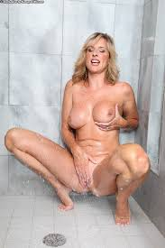 Female masturbation in the hower