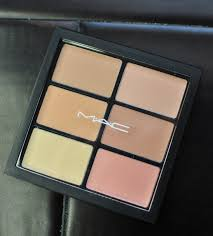 mac cosmetics pro conceal and correct palette in light