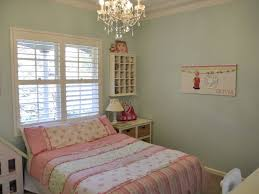 Small Chandeliers For Bedroom Dramatic Chandelier In Small Bathroom Tags Mini Chandelier Round