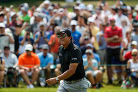 Phil Mickelson loses in Detroit, loves ...