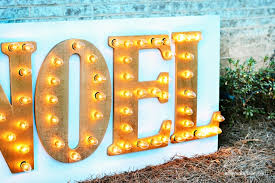 DIY Outdoor Holiday Marquee Sign