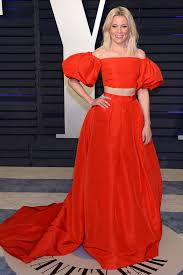 elizabeth banks attends the vanity fair oscar party at wallis annenberg center for the performing arts in beverly hills california