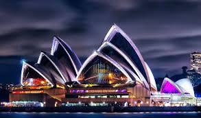 Самые известные театры в мире Интересные факты Сиднейский театр ночью
