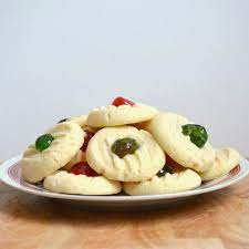Shortbread's simplicity leads to great creativity in these recipes we've gathered. Canada Cornstarch Shortbread Because I Like Chocolate Christmas Recipes Easy Shortbread Cookies Shortbread Cookies With Icing