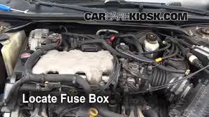 replace a fuse 2000 2005 chevrolet impala 2001 chevrolet impala 2006 chevy impala fuse box diagram at 2004 Impala Fuse Box