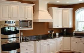 Custom White Kitchen Cabinets Com