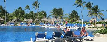 march vacation spots warm getaways