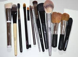 having good quality brushes not only allows your makeup application to be 100x better but it does save you money on having to re er brushes