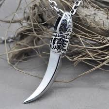 sterling silver wolf tooth pendant