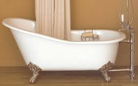 so as with so many things in real estate style architecture and fixture we see cycles and for now it is pretty neat to see the claw foot tub come back