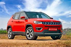 The compass enters 2021 with minor changes. Jeep Compass Facelift Interior Uconnect 5 Large Touchscreen First Pictures Autocar India