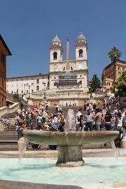 """Touristen aus aller welt kommen hierher, um die berühmten schritte der """"entrückung zu sehen. Spanische Treppe Wikipedia"""