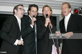 Ted Allen, Thom F1licia, Carson Kressley and Pat O'Brien singing ...