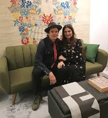 design duo robert and cortney novogratz launch their first pop up with the brand s area rugs by momeni furniture and decor under one roof and