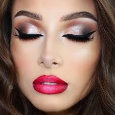 there are a huge variety of styles of party makeup which you can choose when going to a formal event