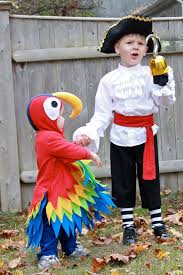 cute diy pirate and parrot costume argh tastic diy pirate costume ideas