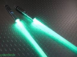 saberforge double bladed staff as popularized by arthday aulmay technabob