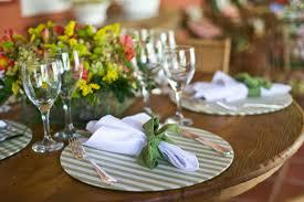 Resultado de imagem para mesas de jantar decoradas