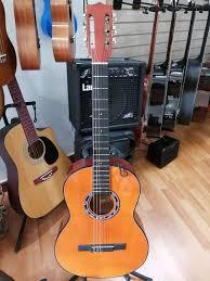 Guitarra clásica cuerdas de nylon Santandereana nueva con estuche primera  clase gratis - Instrumentos Musicales - 1106191243