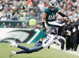 Eagles injury report: Zach Ertz, Jordan Howard questionable for ...