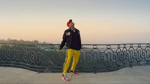 Even if we don't take into account chris brown, the song is honestly garbage. Chris Brown With The Off White 1s In The New Lil Dicky Video For Freaky Friday Sneakers