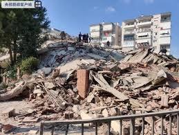 现场画面曝光 希腊群岛6 9级地震引发海啸警告 海水涌入城市 土耳其8层居民楼轰然坍塌 每日经济新闻