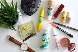 on the go beauty essentials clinique pore refining foundation