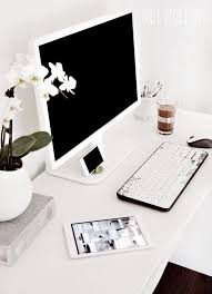 this link goes to something totally different i just like the desk set amazing office space set