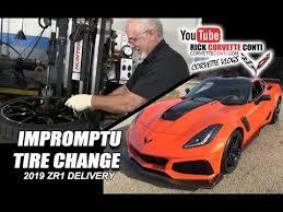 Impromptu Corvette Tire Change 2019 Orange Zr1 Delivery