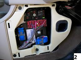 bcm and pcm locations chevy cobalt forum cobalt reviews and pcm sits in front of fuse block under that curved protective cover if you have an automatic you will also the tcm sitting in front of the
