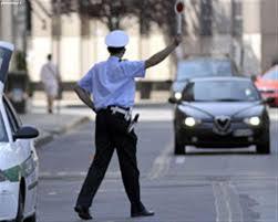 Risultati immagini per polizia alt