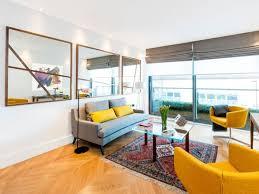 Spieglein, spieglein … mein lieblingsaccessoire für die wandgestaltung im wohnzimmer sind spiegel. Spiegel Im Wohnzimmer Modelle Und Schone Ideen Fur Die Einrichtung