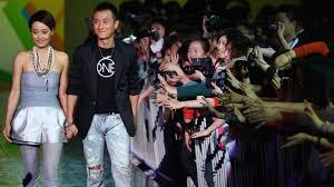 Actor Wen Zhang's apology over affair breaks Weibo records