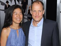 Is woody harrelson gay