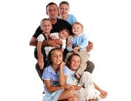 Многодетная семья права льготы государственная поддержка  Льготы многодетной семье предоставляемые государственными программами