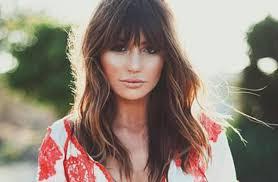 بالصور أجمل تسريحات شعر للوجه البيضاوي المرأة