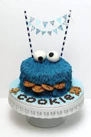 First Birthday Boy Cake Ideas Bby Birthdy Cke Bby Birthdy Cke Ides