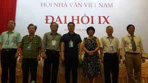 Image result for nhà văn vn