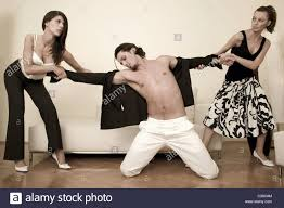 Man fight tow women
