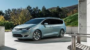 2018 chrysler pacifica hybrid. simple chrysler gallery chrysler pacifica hybrid photo 3  and 2018 chrysler pacifica hybrid