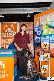 GASSIREPORT Hundeblog: [Gastbeitrag] Nadine Wolf räumt mit BARF Mythen auf!