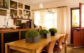 Eclectic Kitchen Design With Wooden Dining Set